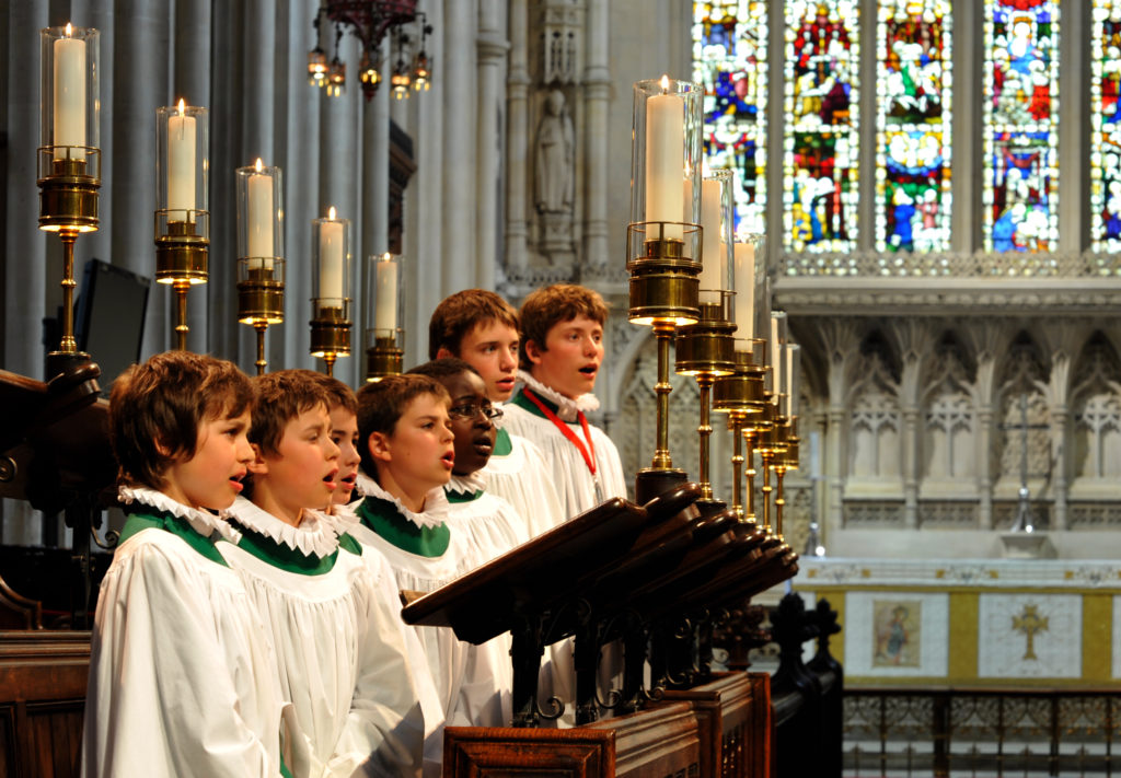 Bath Abbey Boys' Choir singing Evensong
